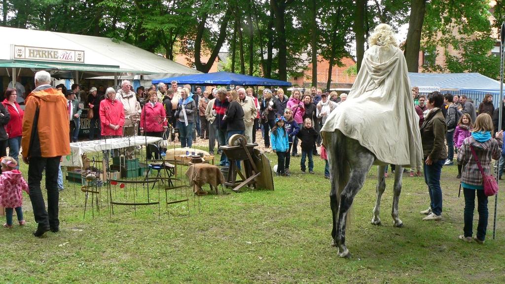 www.gelbesblatt.info 800-Jahr-Feier, der Sonntag