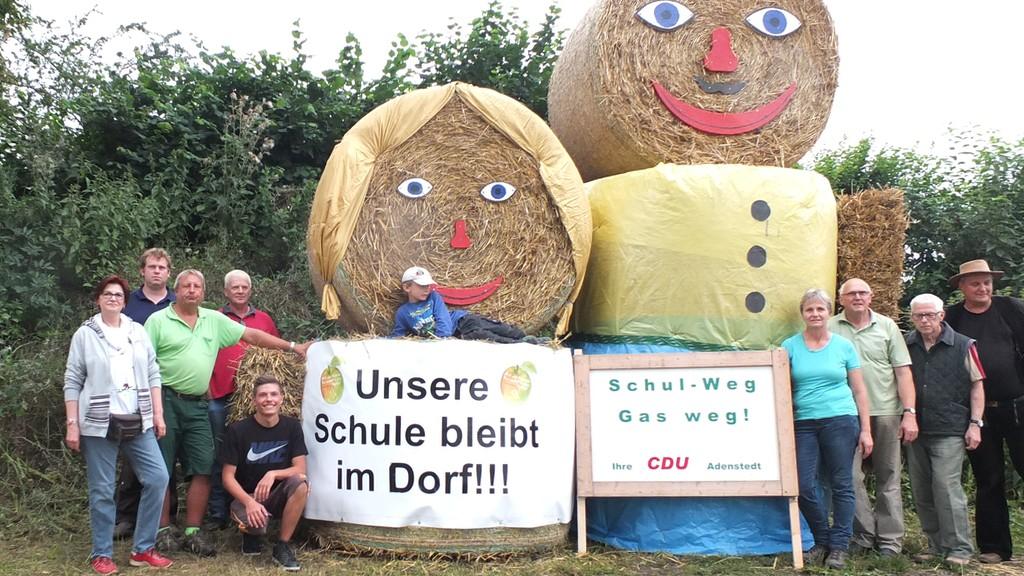 www.gelbesblatt.info Strohballen-Familie der CDU mahnt wieder zum Schulbeginn, und zur Rücksichtnahme auf die Jüngsten