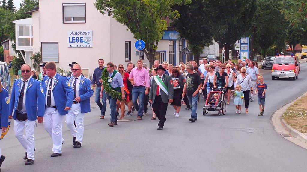 www.gelbesblatt.info 3. Umzug: Austragen der Königsscheiben